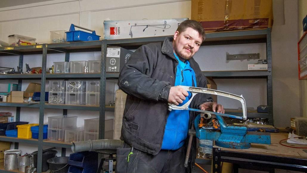 vvs installatør og kloakmester saver rør